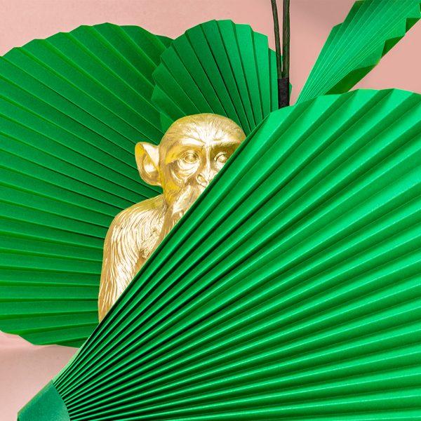 jungla, plantas de papel palma detalle mono